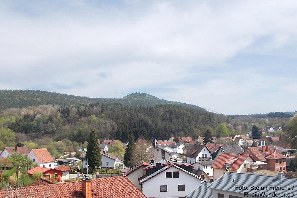 Pfälzerwald: Blick auf Bruchweiler-Bärenbach - Foto: Stefan Frerichs / RheinWanderer.de