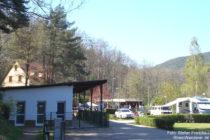 Pfälzerwald: Campingplatz Wachenheim im Burgtal - Foto: Stefan Frerichs / RheinWanderer.de