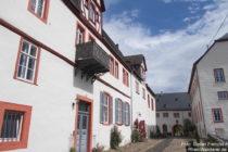 Mittelrhein: Innenhof von Schloss Philippsburg in Braubach - Foto: Stefan Frerichs / RheinWanderer.de