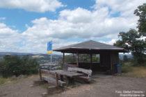 Mittelrhein: Schutzhütte auf der Kerkertser Platte bei Braubach - Foto: Stefan Frerichs / RheinWanderer.de