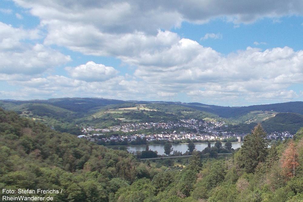Mittelrhein: Blick vom Fladenberg Richtung Rhens - Foto: Stefan Frerichs / RheinWanderer.de