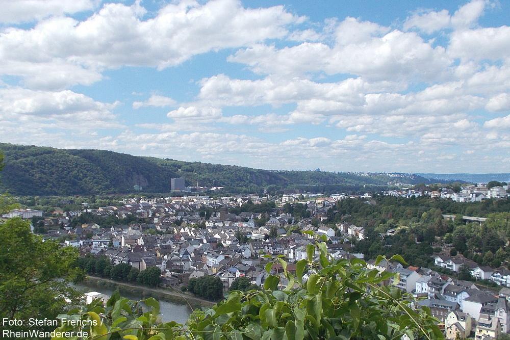 Mittelrhein: Blick von Burg Lahneck auf Niederlahnstein - Foto: Stefan Frerichs / RheinWanderer.de