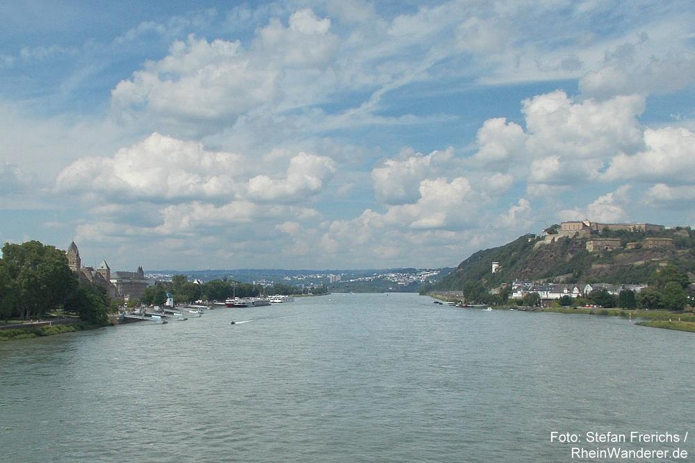 Mittelrhein: Blick von der Pfaffendorfer Brücke auf Koblenz - Foto: Stefan Frerichs / RheinWanderer.de