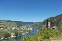 Mosel: Blick auf Burg Metternich und Ellenz - Foto: Stefan Frerichs / RheinWanderer.de