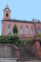Pfälzerwald: Sankt-Martin-Kirche - Foto: Stefan Frerichs / RheinWanderer.de