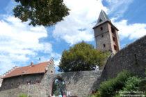 Odenwald: Haupttor von Burg Frankenstein - Foto: Stefan Frerichs / RheinWanderer.de
