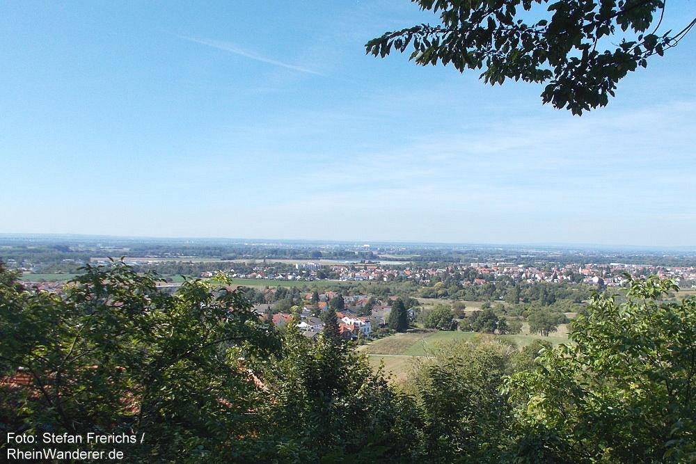 Odenwald: Blick vom Unteren Herrenweg auf Bickenbach - Foto: Stefan Frerichs / RheinWanderer.de