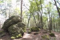 Odenwald: Felsen am Magnetberg - Foto: Stefan Frerichs / RheinWanderer.de