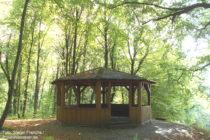 Odenwald: Teehäuschen am Schlosspark von Seeheim - Foto: Stefan Frerichs / RheinWanderer.de