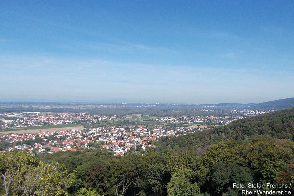 Odenwald: Blick von Schloss Alsbach auf Alsbach - Foto: Stefan Frerichs / RheinWanderer.de