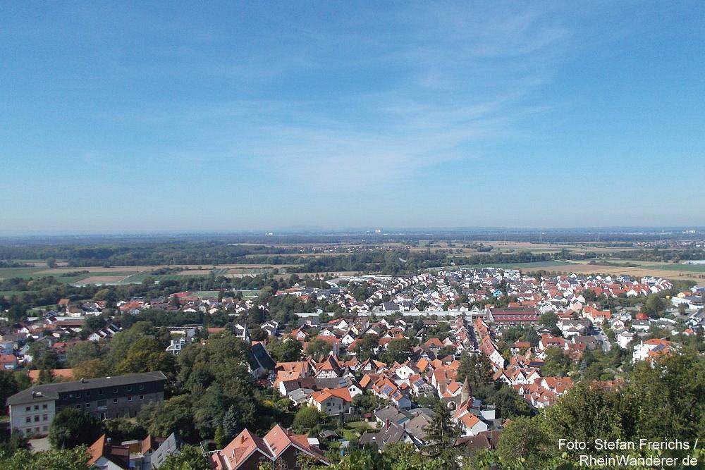 Odenwald: Blick auf Zwingenberg - Foto: Stefan Frerichs / RheinWanderer.de