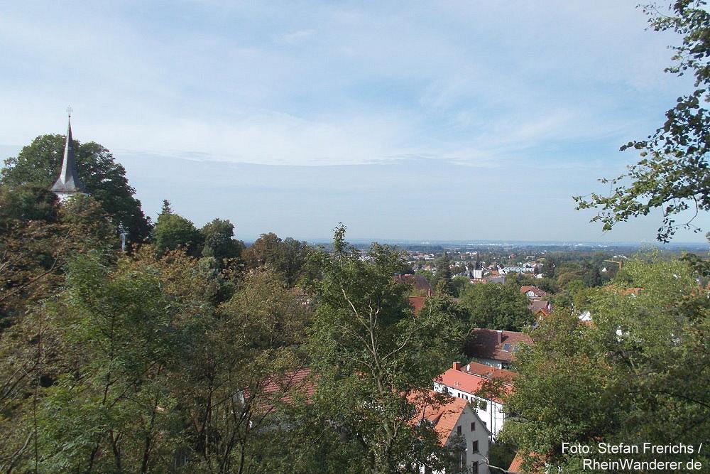 Odenwald: Blick auf Jugenheim mit Bergkirche - Foto: Stefan Frerichs / RheinWanderer.de