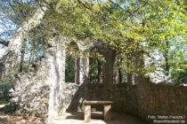 Odenwald: Ruine der Klosterkirche Heiligenberg bei Jugenheim - Foto: Stefan Frerichs / RheinWanderer.de