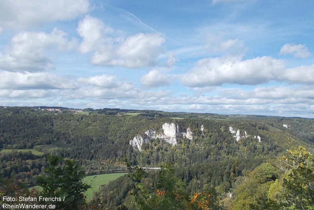 Obere Donau: Blick von Burg Wildenstein ins auf den Eichfelsen - Foto: Stefan Frerichs / RheinWanderer.de