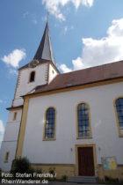 Pfälzerwald: Sankt-Jakobus-Kirche in Hambach - Foto: Stefan Frerichs / RheinWanderer.de