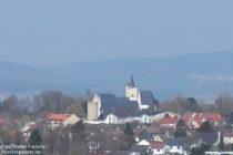 Inselrhein: Burgkirche in Ober-Ingelheim - Foto: Stefan Frerichs / RheinWanderer.de