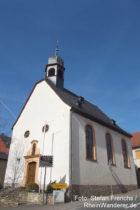 Inselrhein: Sankt-Michael-Kirche von Appenheim - Foto: Stefan Frerichs / RheinWanderer.de
