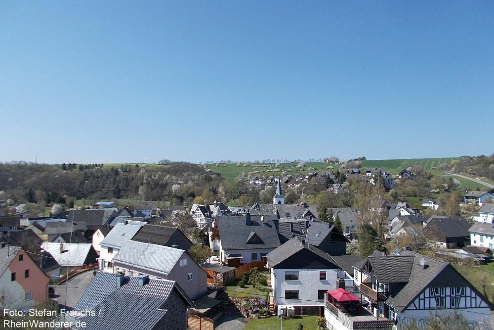 Hunsrück: Blick auf Mengerschied - Foto: Stefan Frerichs / RheinWanderer.de