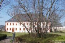 Inselrhein: Ehemalige Propstei in Schwabenheim - Foto: Stefan Frerichs / RheinWanderer.de