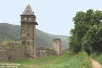 Mittelrhein: Stadtmauer mit Kuhhirtenturm in Oberwesel - Foto: Stefan Frerichs / RheinWanderer.de