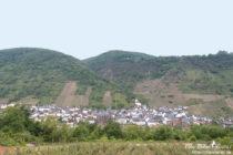 Mosel: Blick auf Sankt Aldegund - Foto: Stefan Frerichs / RheinWanderer.de