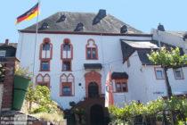 Mosel: Burghaus in Neef - Foto: Stefan Frerichs / RheinWanderer.de