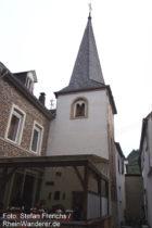 Mosel: Sankt-Matthias-Kirchturm in Neef - Foto: Stefan Frerichs / RheinWanderer.de
