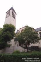 Mosel: Sankt-Maria-Magdalena-Kirche in Bullay - Foto: Stefan Frerichs / RheinWanderer.de
