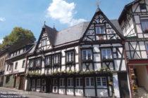 Ahr: Fachwerkhaus in Altenahr - Foto: Stefan Frerichs / RheinWanderer.de