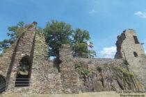 Ahr: Hochburg von Burg Are bei Altenahr - Foto: Stefan Frerichs / RheinWanderer.de