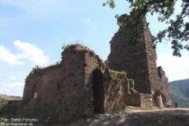 Ahr: Burgkapelle und Grauer Turm von Burg Are bei Altenahr - Foto: Stefan Frerichs / RheinWanderer.de