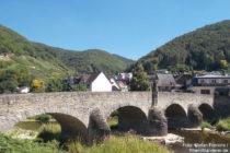 Ahr: Nepomukbrücke in Rech - Foto: Stefan Frerichs / RheinWanderer.de