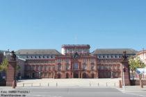 Neckar: Mannheimer Schloss - Foto: Stefan Frerichs / RheinWanderer.de