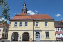 Neckar: Altes Rathaus von Seckenheim - Foto: Stefan Frerichs / RheinWanderer.de
