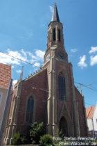 Neckar: Erlöserkirche in Seckenheim - Foto: Stefan Frerichs / RheinWanderer.de