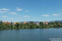 Neckar: Blick auf Ladenburg - Foto: Stefan Frerichs / RheinWanderer.de