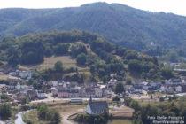 Ahr: Blick auf Altenburg und Sankt-Maternus-Kapelle - Foto: Stefan Frerichs / RheinWanderer.de