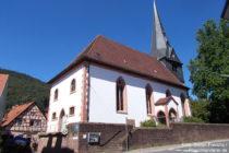 Neckar: Sankt-Ulrichs-Kirche in Neckargemünd - Foto: Stefan Frerichs / RheinWanderer.de