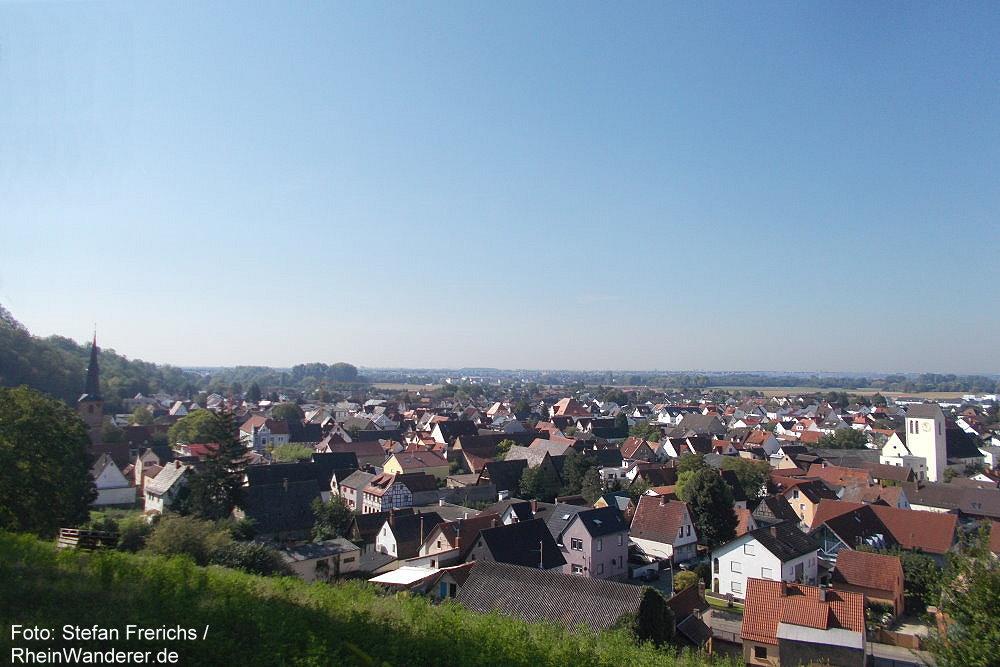 Odenwald: Blick auf Laudenbach - Foto: Stefan Frerichs / RheinWanderer.de