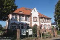 Odenwald: Rathaus von Laudenbach - Foto: Stefan Frerichs / RheinWanderer.de
