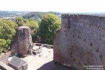 Neckar: Innenhof und Ringmauer von Burg Dilsberg - Foto: Stefan Frerichs / RheinWanderer.de