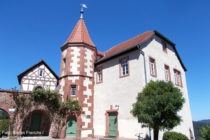 Neckar: Kommandantenhaus von Burg Dilsberg - Foto: Stefan Frerichs / RheinWanderer.de