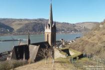 Mittelrhein: Sankt-Bonifatius-Kirche in Lorchhausen - Foto: Stefan Frerichs / RheinWanderer.de
