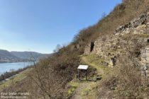 Mosel: Trockenmauern am Würzlaysteig hinter Lehmen - Foto: Stefan Frerichs / RheinWanderer.de