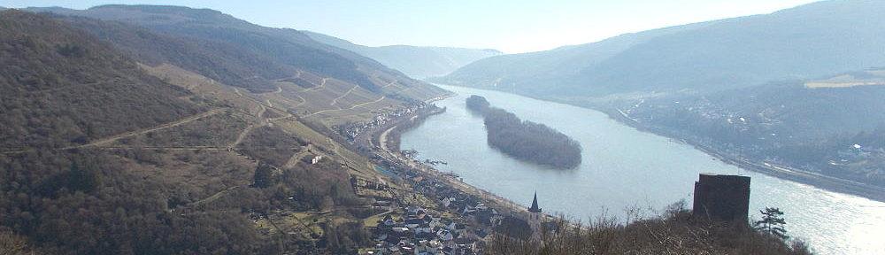 Mittelrhein: Rhein-Wisper-Blick auf Lorch und Ruine Nollig - Foto: Stefan Frerichs / RheinWanderer.de