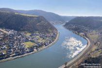 Mosel: Blick vom Aussichtspunkt vor dem Ausoniusstein moselaufwärts - Foto: Stefan Frerichs / RheinWanderer.de