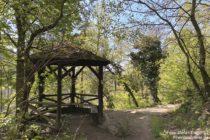 Odenwald: Schutzhütte beim Neuen Forstweg nahe Weinheim - Foto: Stefan Frerichs / RheinWanderer.de
