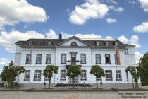 Ahr: Rathaus von Sinzig - Foto: Stefan Frerichs / RheinWanderer.de