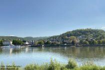 Ahr: Blick von Kripp auf Linz - Foto: Stefan Frerichs / RheinWanderer.de