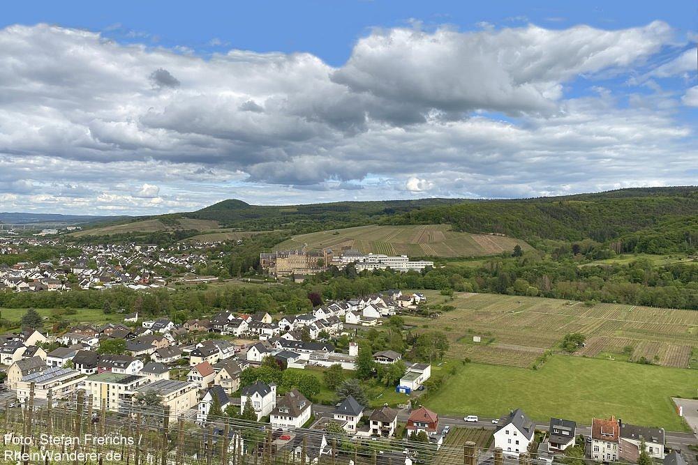 Ahr: Blick auf Kloster Calvarienberg bei Ahrweiler - Foto: Stefan Frerichs / RheinWanderer.de